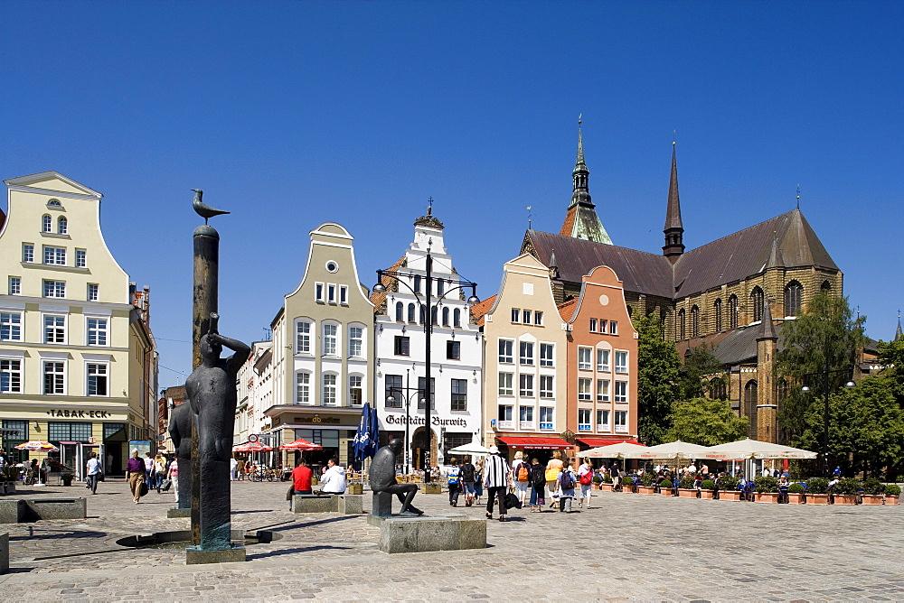 Neuer Markt market, Marktplatz Square, Marienkirche Church, Rostock, Baltic Sea, Mecklenburg-Western Pomerania, Germany, Europe