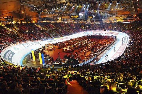Six day race in Olympiahalle Munich Germany - 832-353171