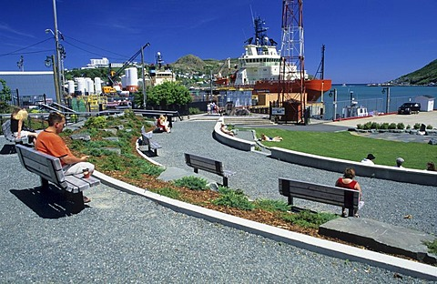 Small square at the seaside promenade in St. John¥s, Newfoundland