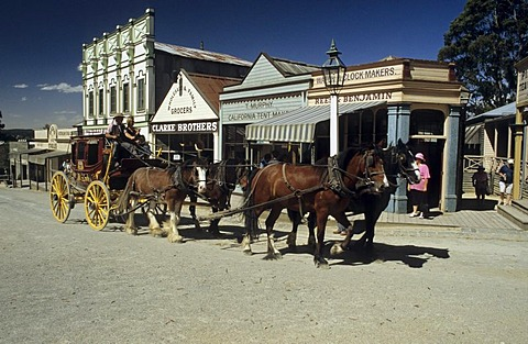 Old stage coach on mainstreet of Sovereign Hill, Ballarat, Victorian Goldfields, Victoria, AUS