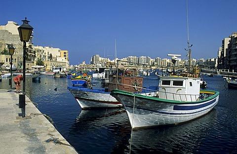Fishing boats in the harbour of St. Julian, Valetta, La Valetta, Malta
