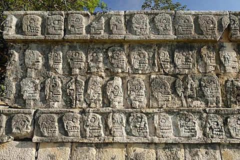 Tzompantli, skull plattform, Maya and Toltek archeological site Chichen Itza, new worldwonder, Yucatan, Mexico