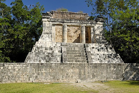 Templo del Hombre Barbado, temple of the bearded man, Maya and Toltek archeological site Chichen Itza, new worldwonder, Yucatan, Mexico
