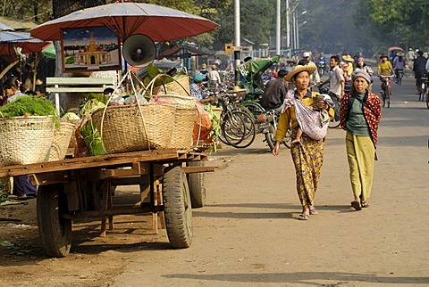 Woman on the market of Kathar, Myanmar