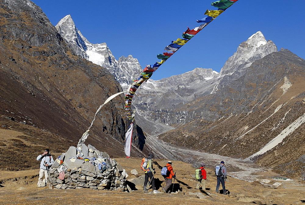 Valley of Machhermo Khola with Kyajo Ri (6186), Sagarmatha National Park, Khumbu Himal, Nepal