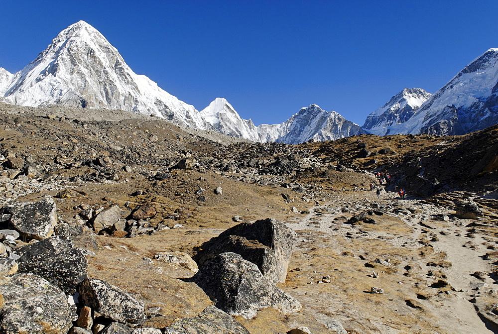 Khumbu glacier with Pumo Ri (7161), Khumbu Himal, Sagarmatha National Park, Nepal