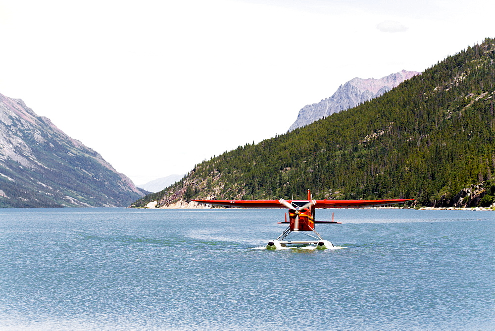 Landing float plane, Bush Hawk-XP, Lake Bennett, Chilkoot Pass / Trail, British Columbia, B.C., Canada