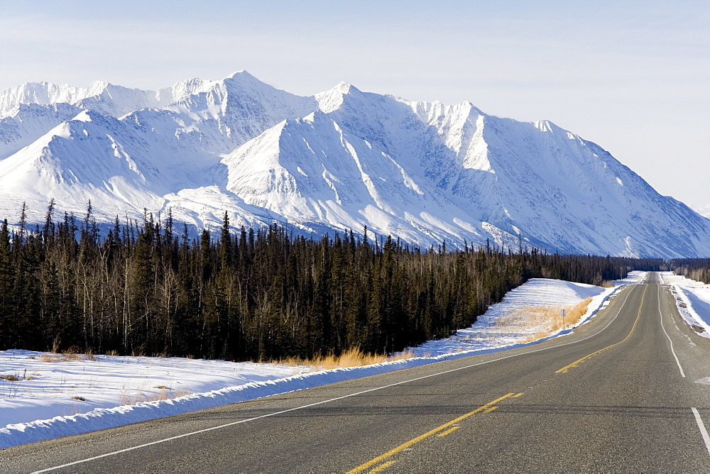 Alaska Highway south of Haines Junction, St. Elias mountain range, spruce trees, Yukon Territory, Canada, North America