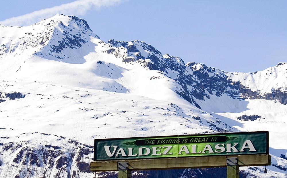 Sign with the Valdez slogan, fishing capital, Valdez Small Boat Harbour, Prince William Sound, Alaska, USA