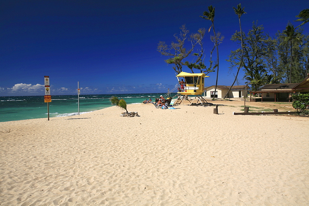 Baldwin Beach Park with a golden sandy beach and a lifeguard tower, Paia, Maui Island, Hawaii, USA