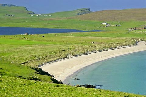 Scousburgh Sands Beach at right, Loch Spiggie at left, South Mainland, Shetland Islands, Scotland, Great Britain, Europe