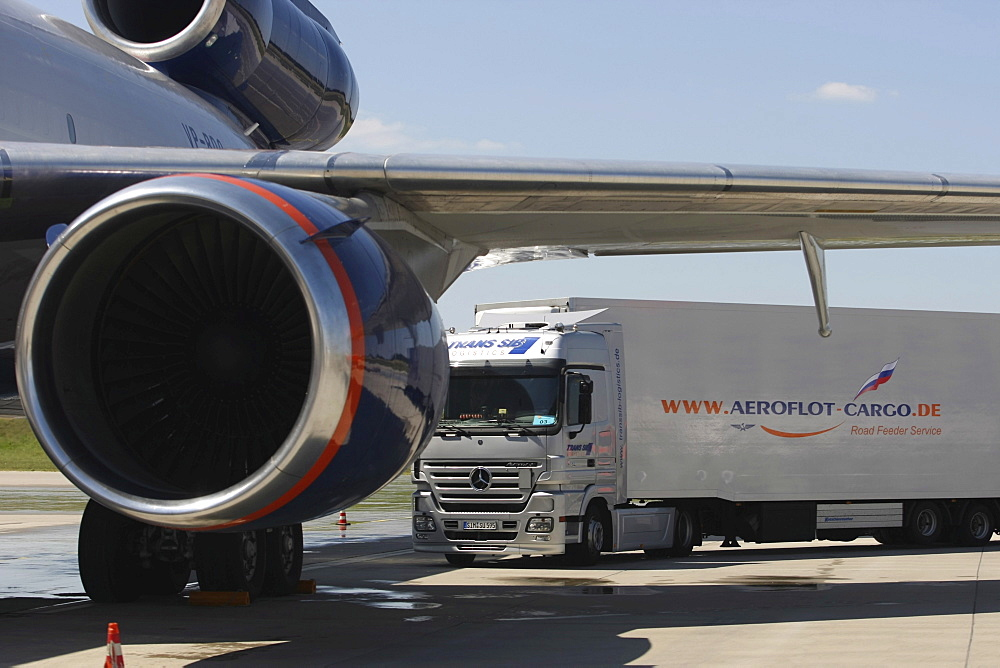 Russian airline Aeroflot transloading the cargo, Frankfurt/Hahn Airport, Lautzenhausen, Rhineland-Palatinate, Germany, Europe