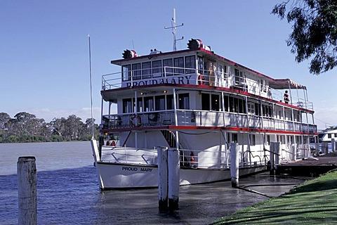 Proud Mary paddle wheel steamer Mannum Australia