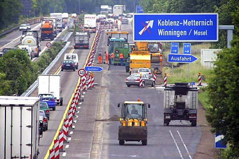 Road works at the freeway near Koblenz, Rhineland-Palatinate , Germany