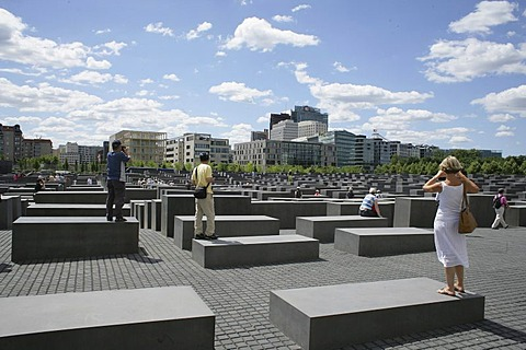 Visitors at the Holocaust Memorial in Berlin, Germany, Europa