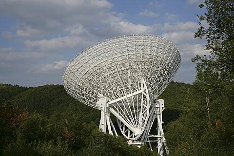 Radio Telescope from the Max-Planck-Instituts fuer Radioastronomie in Bad Muenstereifel-Effelsberg, Rhineland-Palatinate, Germany, Europe