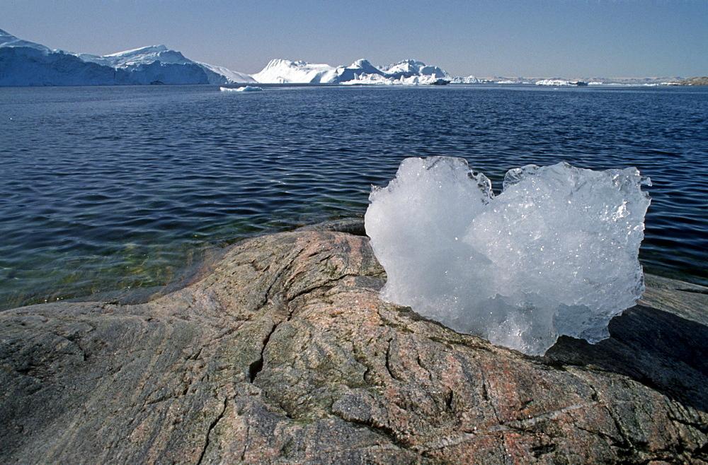 Stranded ice block, Ilulisaat, Greenland, Danmark