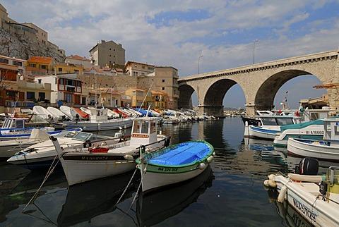 Bay, Port du Vallon-des-Aufes, Marseille, Provence-Alpes-Cote d'Azur, France