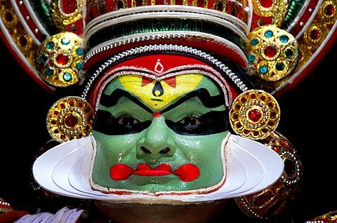 Kathakali, Kathakai dancer, temple dance, Kerala Kathakali Centre, Kochi, Ernakulam, Fort Cochin, Vypan, Ochanathuruthu, India, Asia - 832-367550