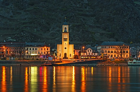 St. Goarshausen, Rhine River, at night, Upper Middle Rhine Valley, UNESCO World Heritage Site, Rhineland-Palatinate, Germany, Europe