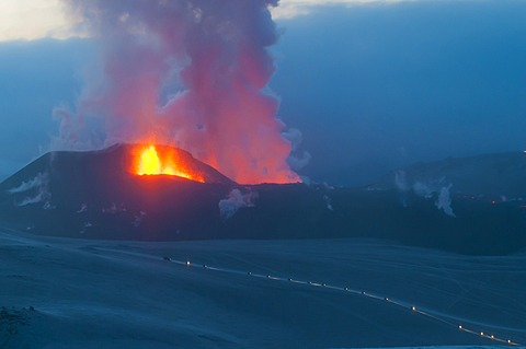 Evacuation from the glacier, eruption of the Fimmvoer√∞uh√°ls Volcano, between M√Ωrdalsjoekull and Eyjafjallajoekull, Highland, Iceland, Europe