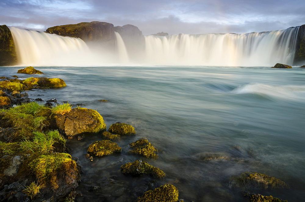 Godafoss waterfall on the Skjalfandafljot river, Ring Road, Nordurland eystra, Northeast Iceland, Iceland, Europe