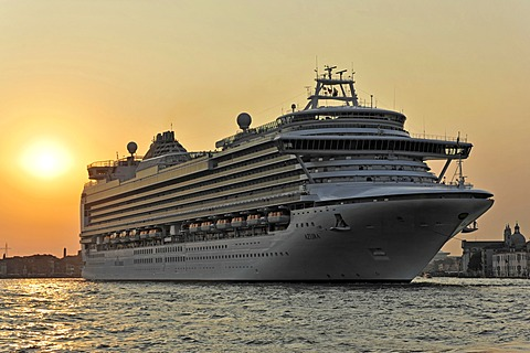 Azura, cruise ship, built in 2010, 290m, 3100 passengers, departing, Venice, Veneto, Italy, Europe