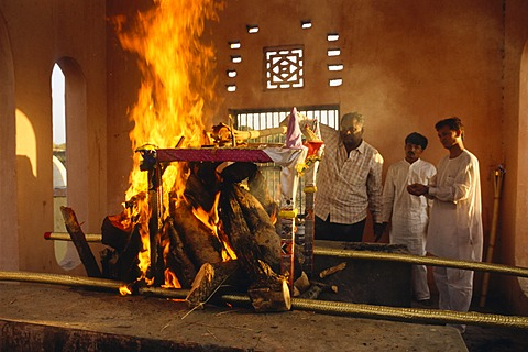 Cremation ceremony for a passed away Jain nun, Palitana, Gujarat, India, Asia