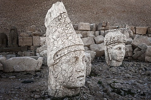 Mount Nemrut sanctuary, UNESCO World Heritage Site, statues on the western terrace, ruins of the Commagene civilization, 1st century B.C., Mount Nemrut, Eastern Turkey