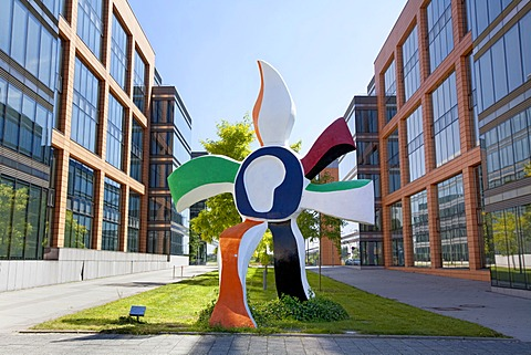La grande fleur qui marche sculpture by Giovanni Teconi after Fernand Léger, Clearstream International SA, Europe district, Kirchberg-Plateau, Luxembourg City, Europe, PublicGround