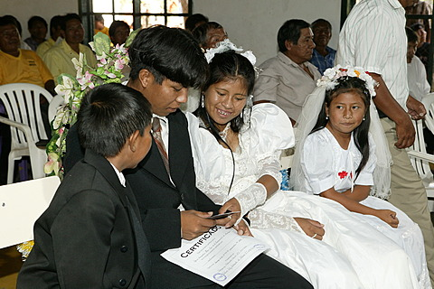 Bridal couple with flower children, Indian wedding, Loma Plata, Chaco, Paraguay, South America
