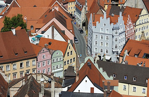 Houses and winding streets, historic town centre of Landshut, Lower Bavaria, Bavaria, Germany, Europe