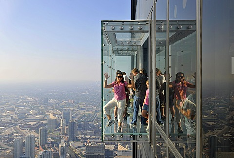 Visitors to the new 412-meter high observation deck Skydeck, Willis Tower, formerly named Sears Tower, Chicago, Illinois, United States of America, USA