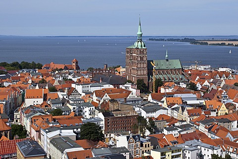 Stralsund with the Church of St. Nicholas, Mecklenburg-Western Pomerania, Germany, Europe