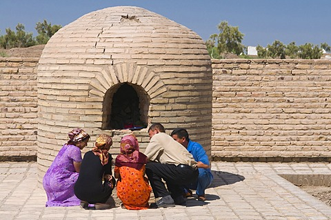Praying muslims, Konye-Urgench, Turkmenistan, Central Asia