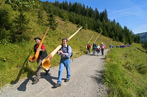 Alphorn hike on the Sonnalp alp in Mittelberg, Kleinwalsertal, Allgaeu, Vorarlberg, Austria, Europe