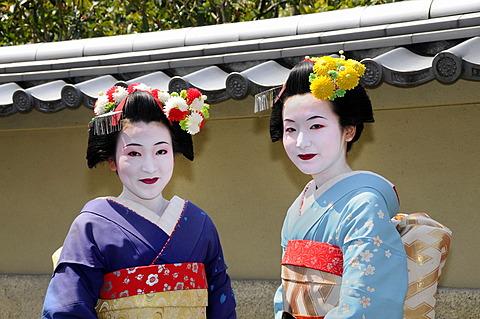 Two Maiko, Geisha in training, Kyoto, Japan, Asia