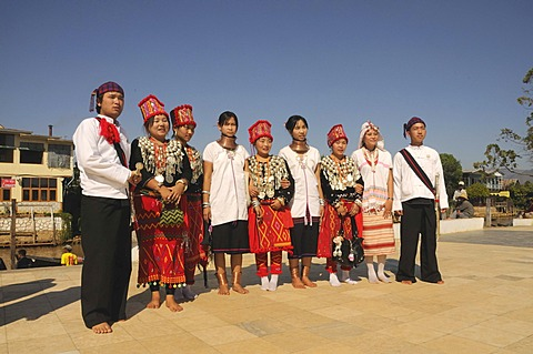 Jingpo, Jingpho, Jingp'o, Kachin and Badaung, ethnic minority in traditional costume, Myanmar, Burma, Southeast Asia, Asia