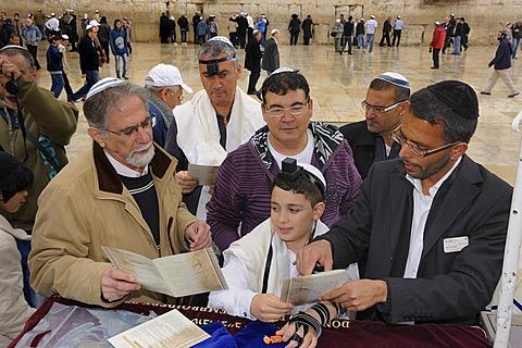 Bar Mitzvah, Jewish coming of age ritual, Western Wall or Wailing Wall, Old City of Jerusalem, Arab Quarter, Jerusalem, Israel, Middle East