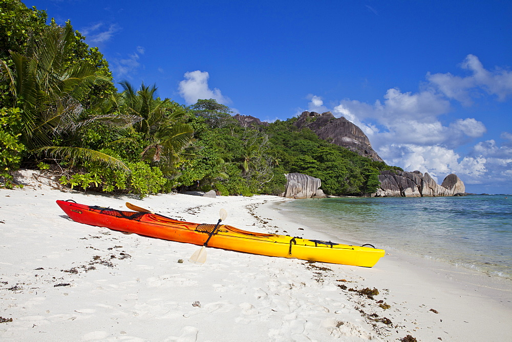 Kayak, Source d'Argent, La Digue, Seychelles, Africa, Indian Ocean