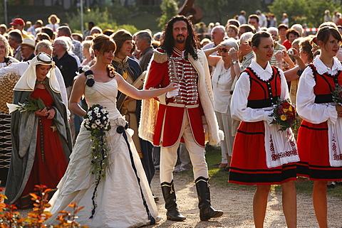 Man dressed up as the Fuerst Rakoczi and the Quellenkoenigin, queen, Rakoczi Festival, Rosengarten, Bad Kissingen, Rhoen, Lower Franconia, Bavaria, Germany, Europe