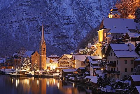 Hallstatt, Lake Hallstatt, Salzkammergut, Upper Austria, Austria, Europe, PublicGround