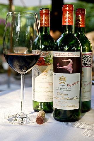 Chateau Mouton Rothschild 1er Cru Classe Pauillac Vertikale 1988, 1989 and 1988, bordeaux glass