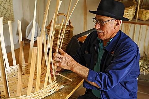 Basket maker in open-air museum in Tefia , Fuerteventura , Kanarische Inseln