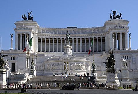 Monument to Vittorio Emanuele II, Piazza Venezia, Rome, Italy, Europe