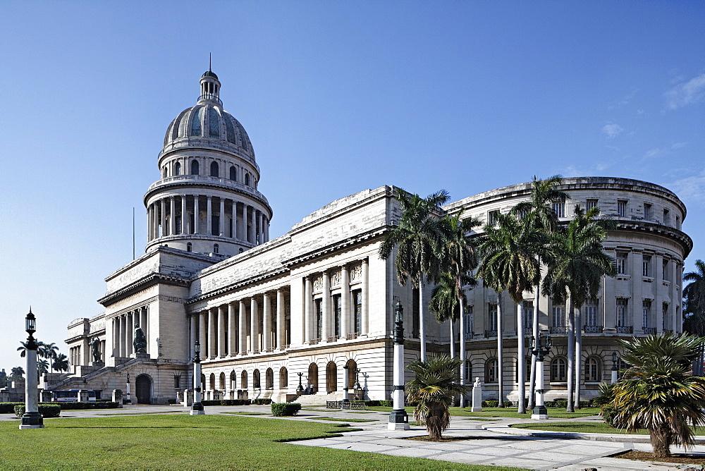 El Capitolio or National Capitol Building, old town, UNESCO World Hertiage Site, Villa San Cristobal de La Habana, La Habana, Havana, Republic of Cuba, Caribbean, Central America