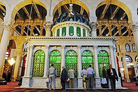 Holy shrine in the prayer room of the Umayyad-Mosque in Damascus, Syria, Middle East, Asia