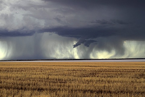 Storm over farmland and Yarra Yarra Lake, Carnamah, Western Australia, Australia - 832-372533