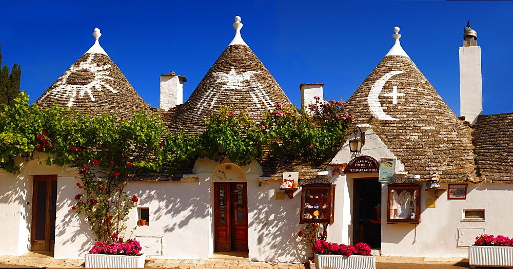 Trulli houses of the Rione Monti Area of Alberobello, Puglia, Italy, Europe