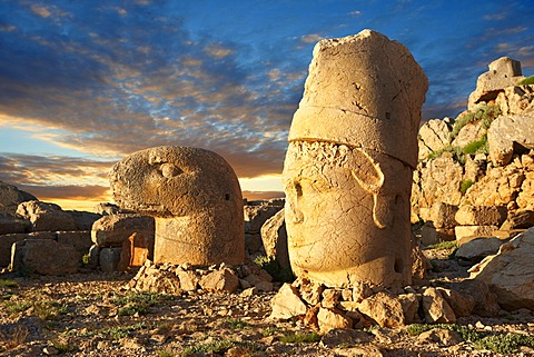 Broken statues around the tomb of Commagene King Antochius 1 on top of Mount Nemrut, Turkey